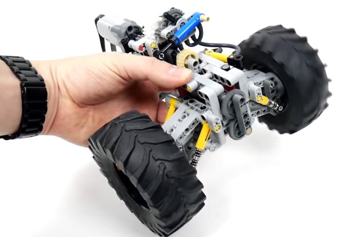LEGO: sospensione indipendente con bloccaggio del differenziale
